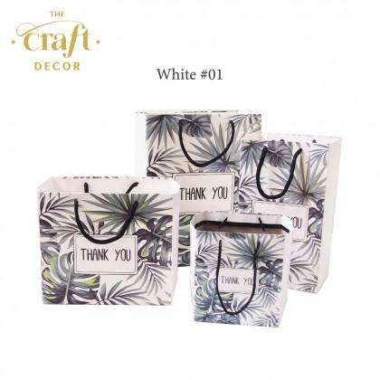 10pcs 12.5x8.5x22cm Tropical Leaves Paper Bag